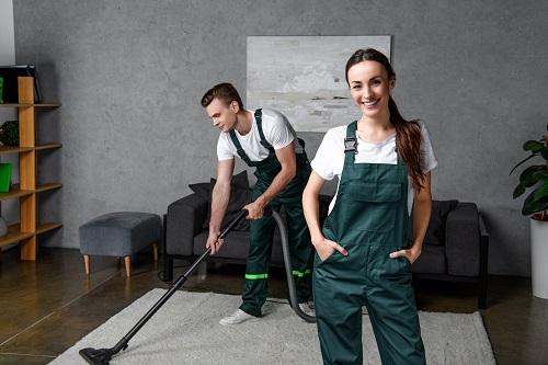 une société de nettoyage à Marseille